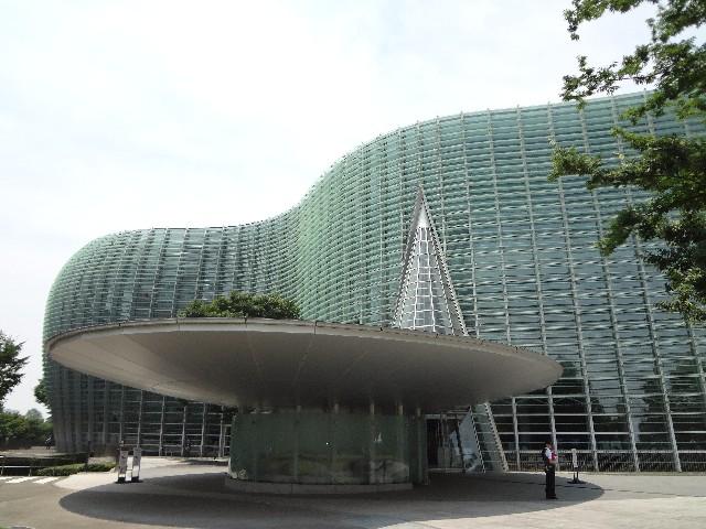 東京五美大卒制展で、美大生の自由な感性に触れる