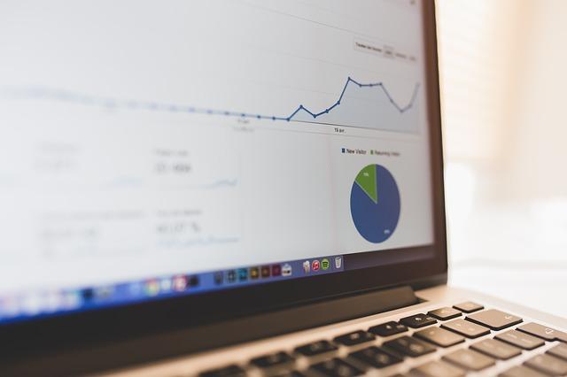 Google Anaryticsより使いやすいアクセス解析サイトに変更【Pt-engine】