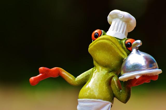 もうどく展を鑑賞後、カエルバーガーを食す