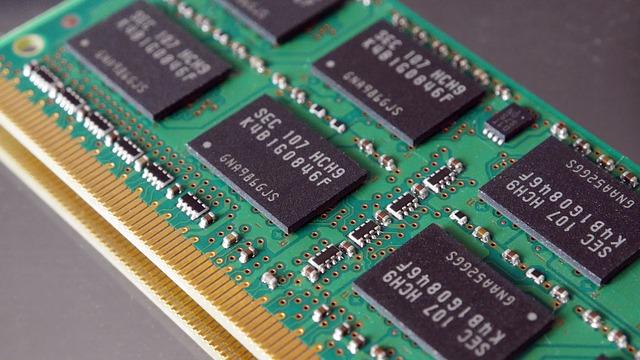 パソコンのメモリを512GBから1GBへ増設する